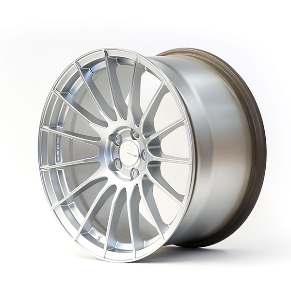 Enkei Racing RSO5RR 18×9.5″ +43 5×100 Sparkle Silver Finish wheel set