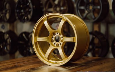 Rays Gram Lights 57DR 18×9.5″ +38 5×114.3 custom finished in gloss gold (EGP)